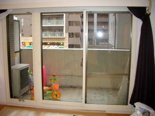 内窓インプラスで結露が無くなり、音も漏れなくなりま…