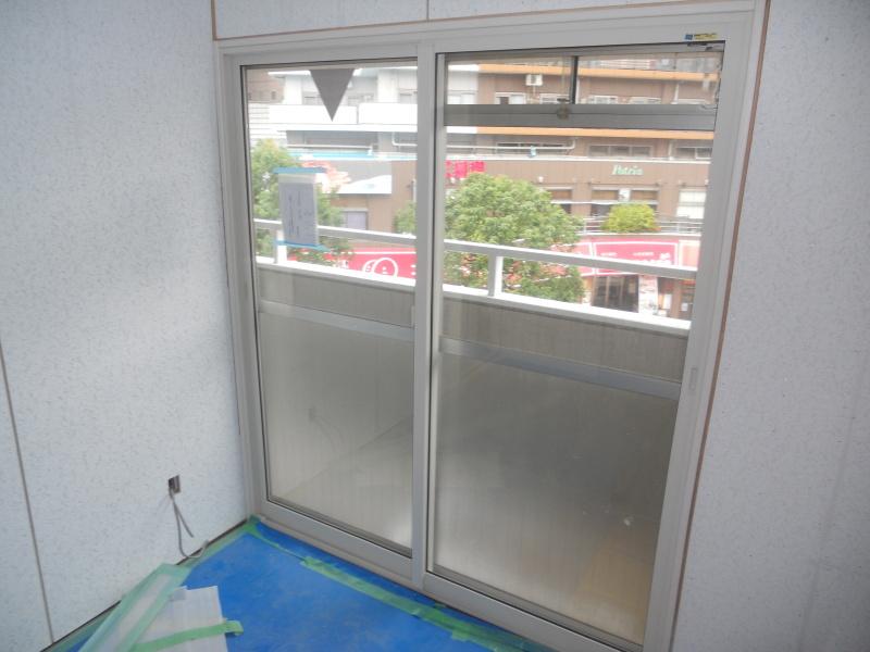防音室へのリノベーションで内窓取り付け