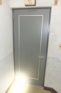 マンション玄関ドアの交換工事(カバー工法)