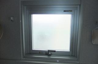 カバー工法で窓の開け閉めがスムーズに!