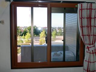 内窓で結露と寒さ対策