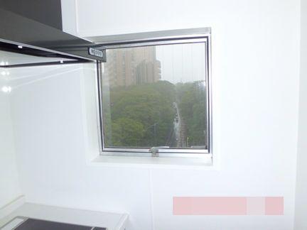 カバー工法で窓を一新