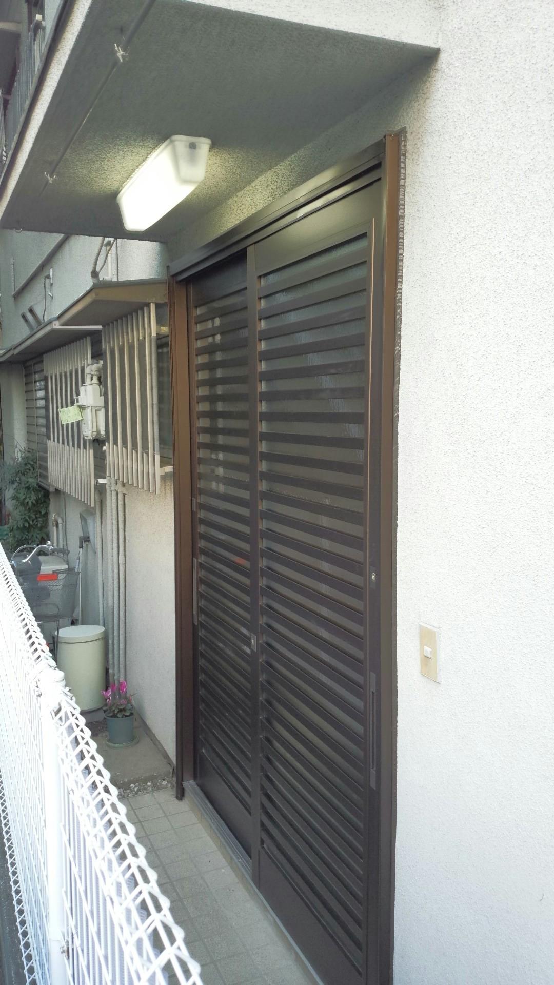 玄関引き戸カバー改修