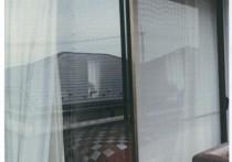 真空ガラスで暖かな寝室に