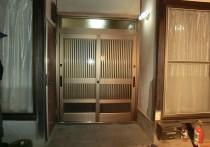 玄関ドアリフォームで明るく!