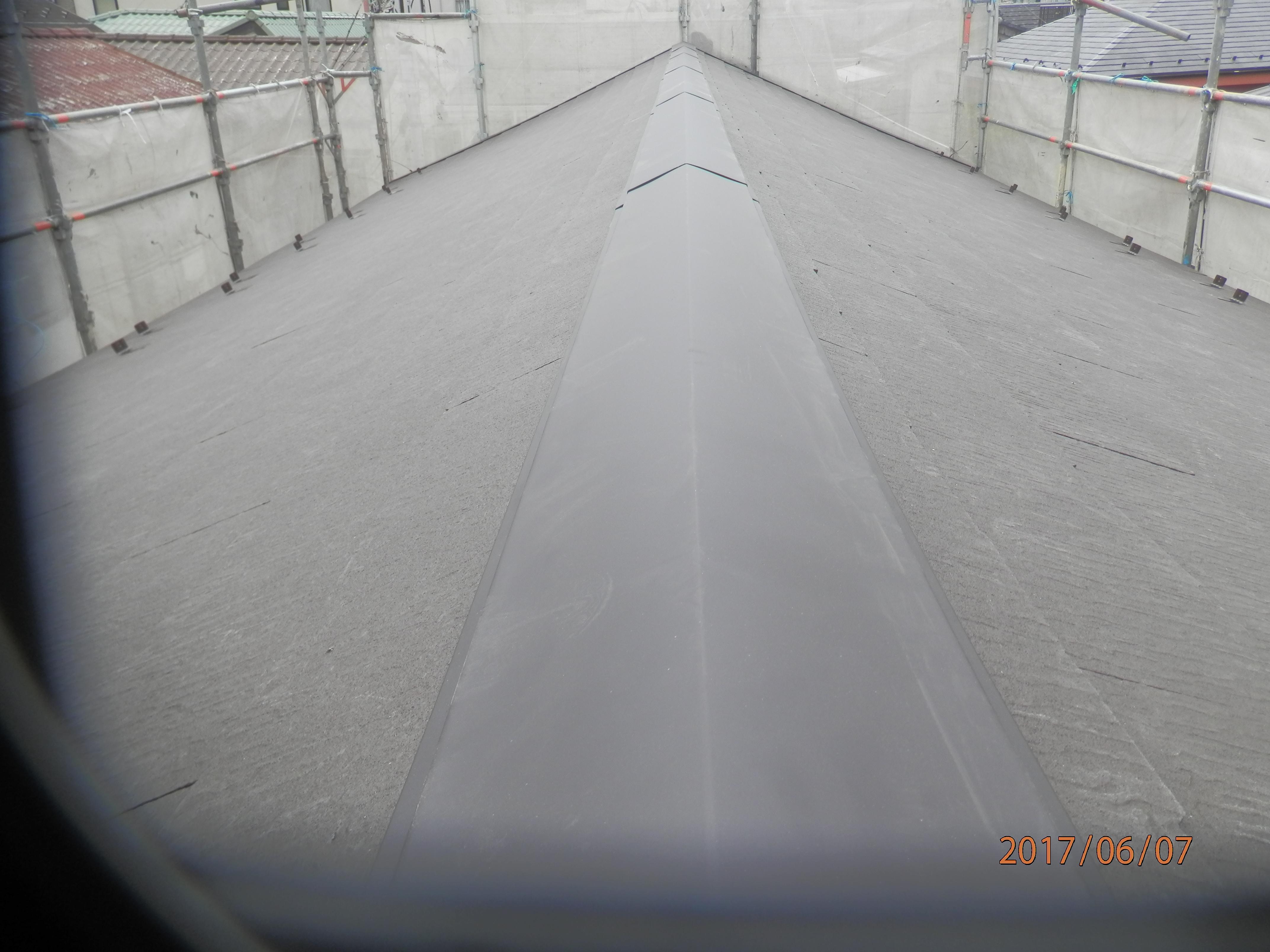 屋根を葺き替えて雨漏りの心配も解消しました
