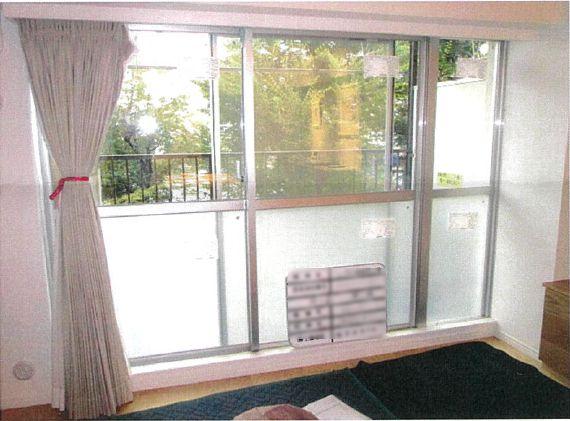 真空ガラスで結露拭きの手間と室内の温度差を解消!