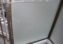 網入りガラスのさび割れ
