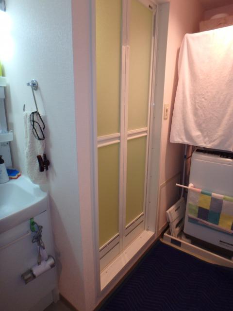 浴室のドアを折戸に変えて使い勝手向上!