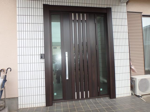 外壁を壊さず新しいドアに