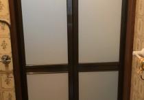 浴室入口を中折れドアにリフォームしました。