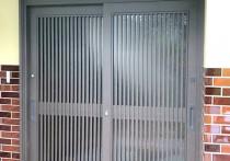 リシェント玄関引戸SG仕様2枚建戸51型(千本格子)施工例。