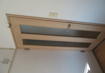 枠を壊さずにドアのみ交換ですみました