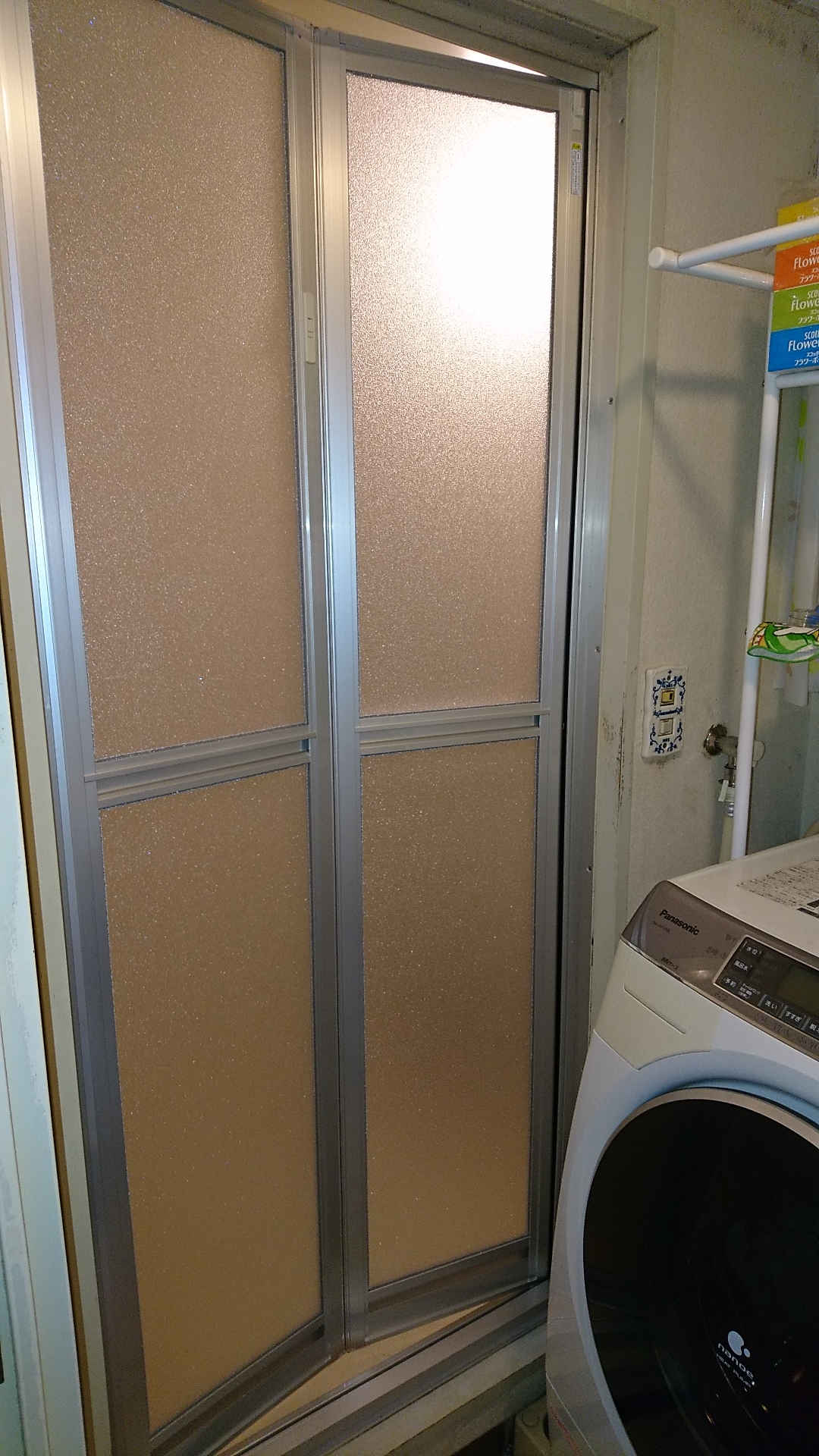 浴室折戸の交換