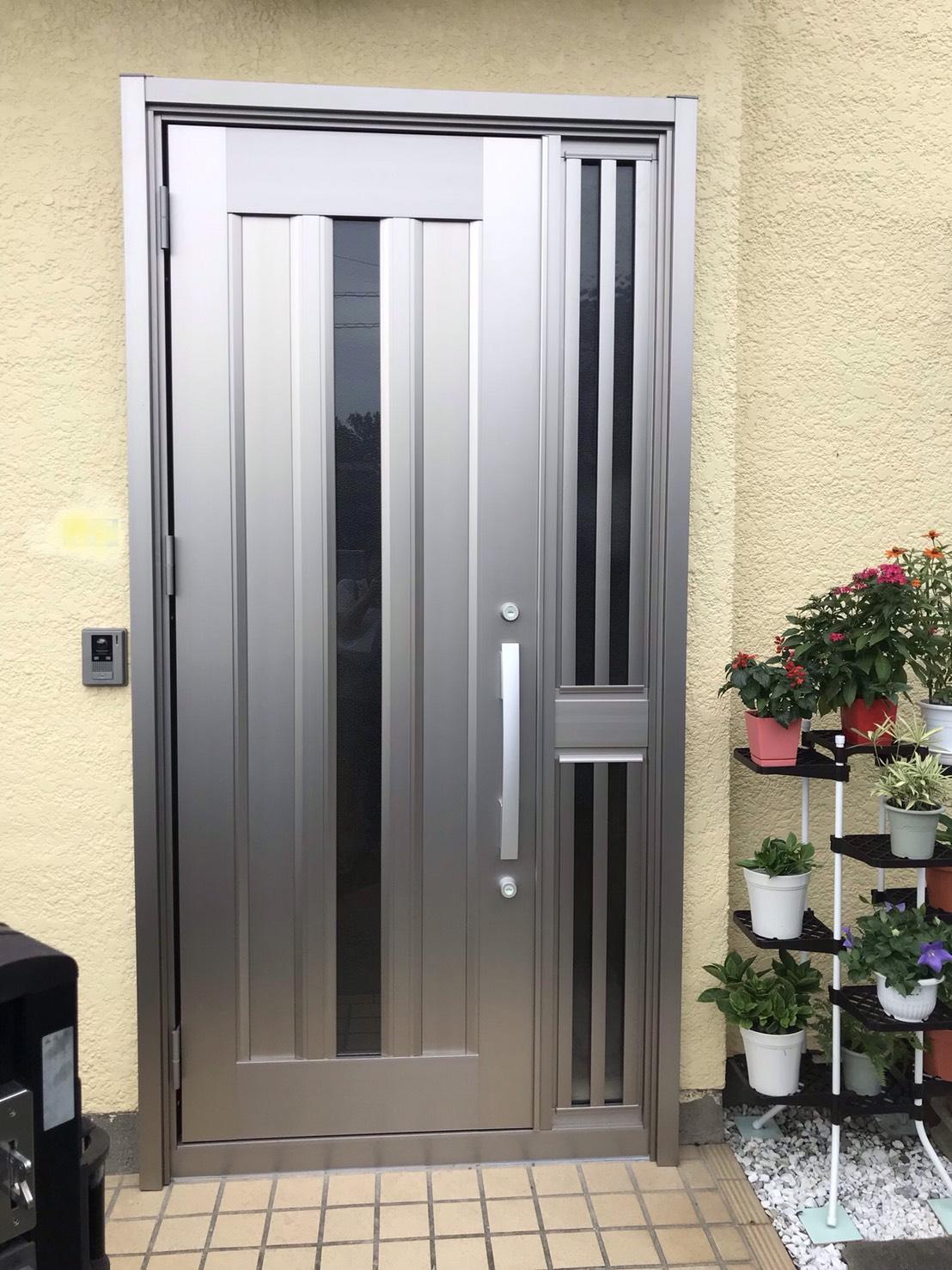 玄関ドアのお悩みは、リクシルリフォーム玄関「リシェ…