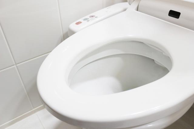 夜間に何度も起きてしまう夜間頻尿の原因と対策