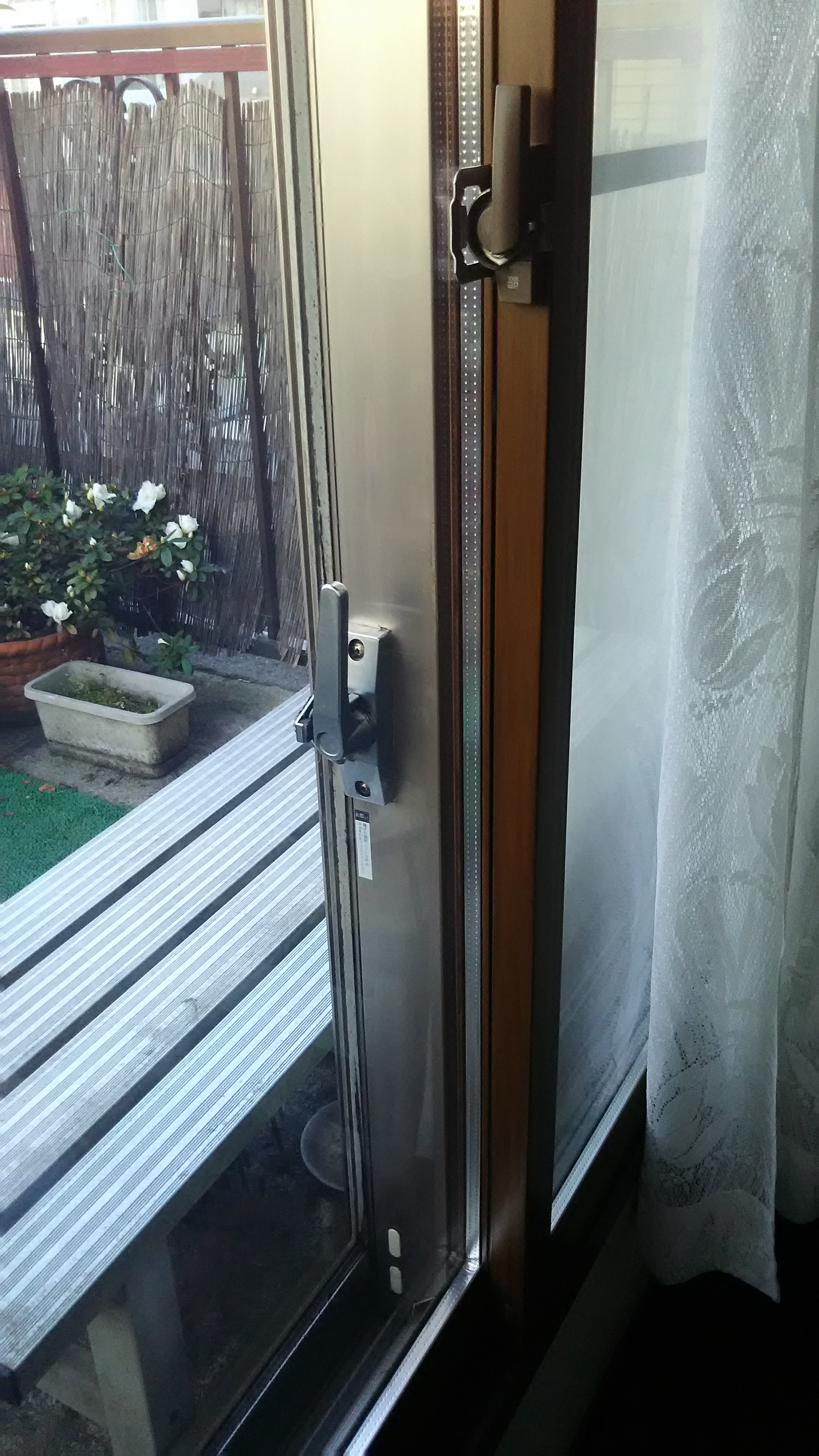 施工後1 室内の窓枠と内窓枠の色を同色に。