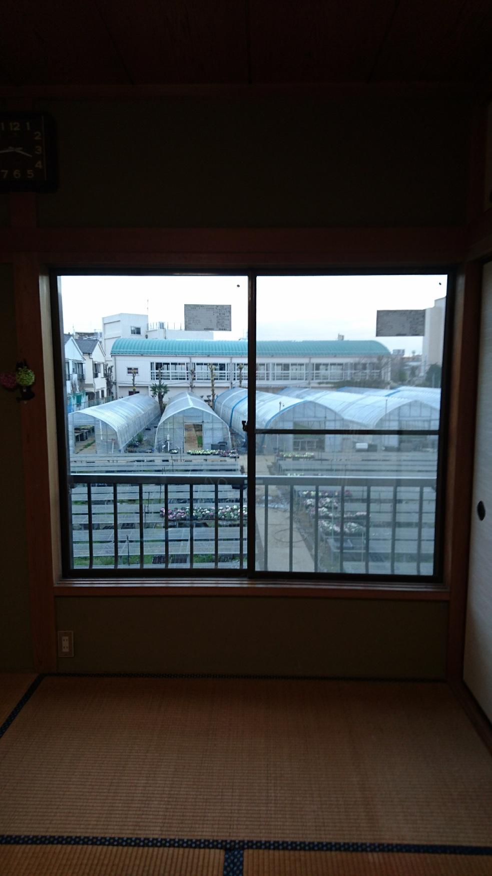 真空ガラス・スペーシアで窓辺の寒さもシャットアウト…