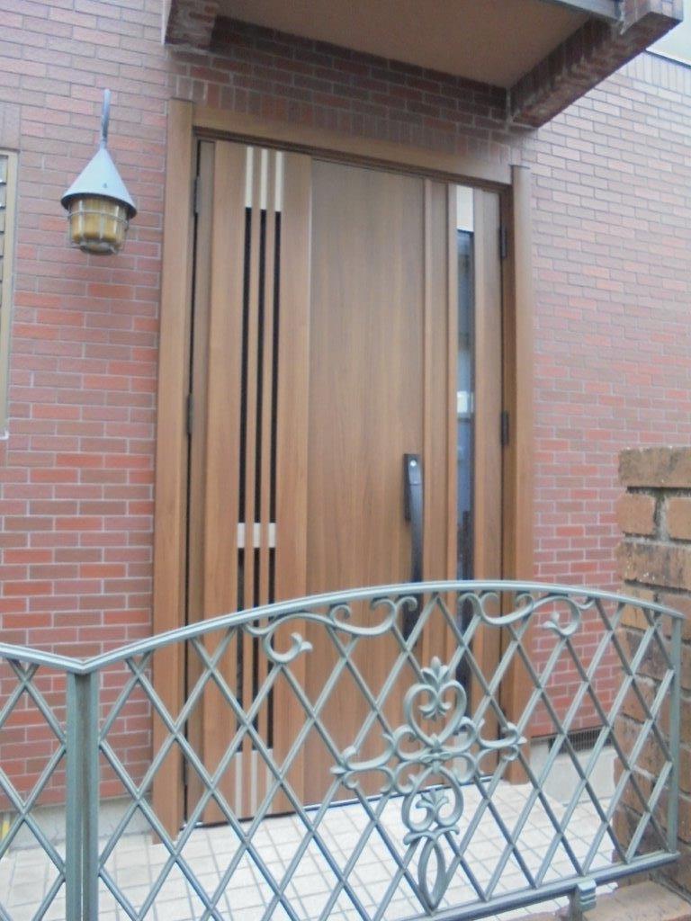 西日による玄関の暑さは、リフォーム玄関ドアで解決