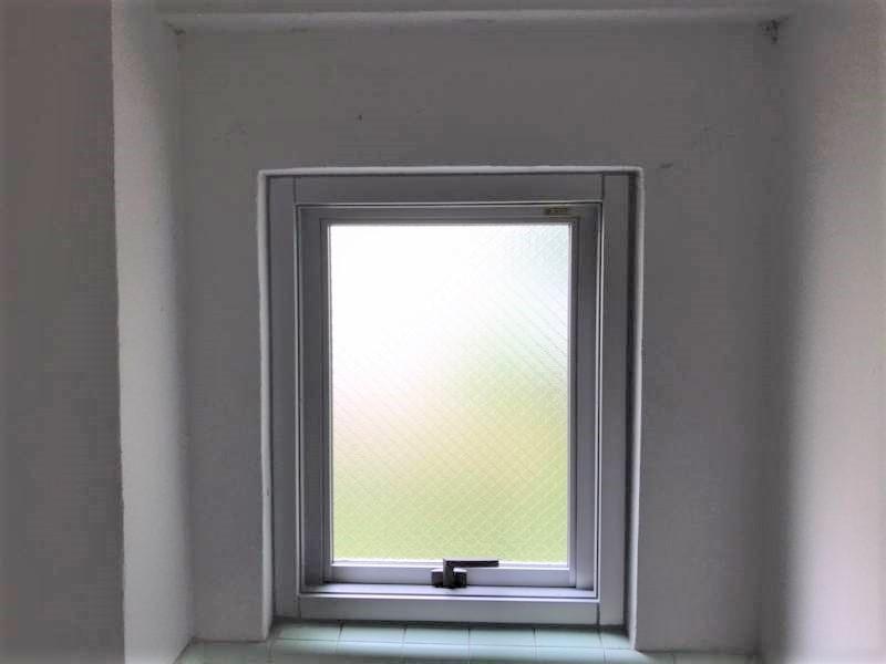 横辷出し窓の交換工事のご案内