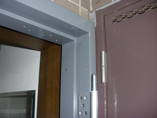 マンションドア カバー工法