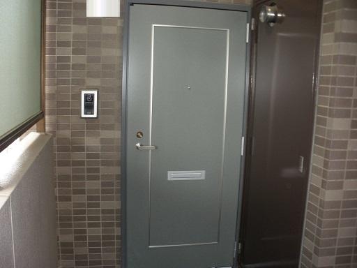 新規ドア 取付け完了