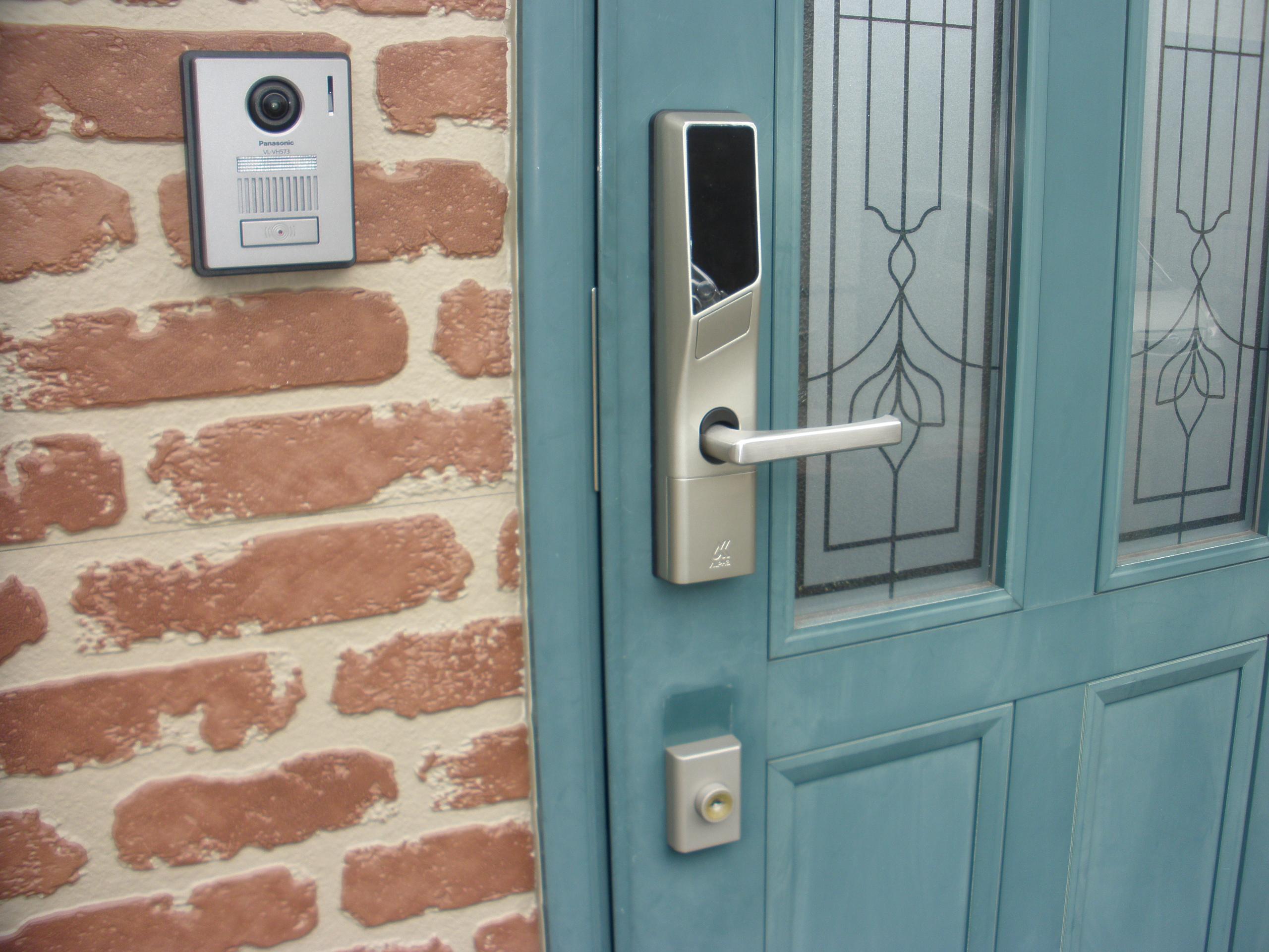 玄関錠を電子化に