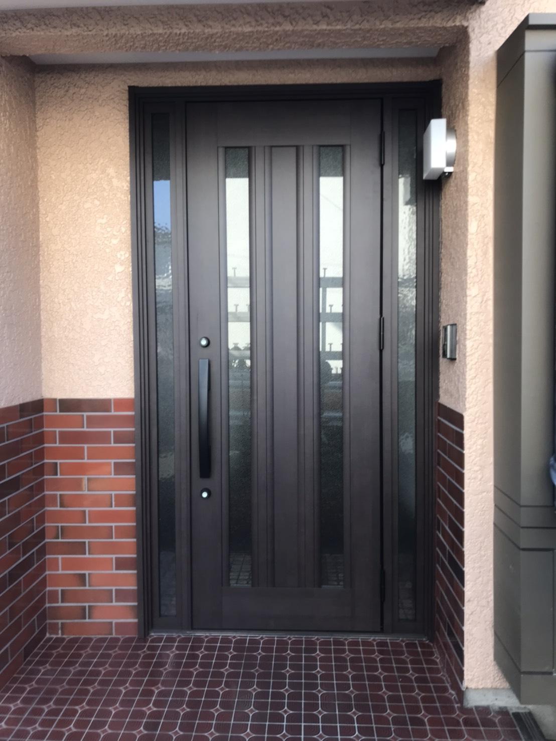 玄関は、入った瞬間一番初めに目にするお家の顔。「素…